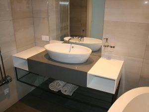 Стільниці у ванну