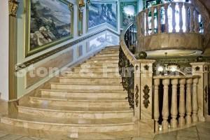 Лестница гранитная