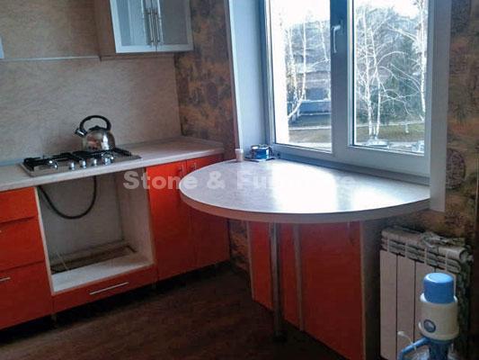 Стол-подоконник на кухню из искусственного камня Stone & Furniture