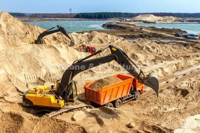 Как добывают кварцевый песок