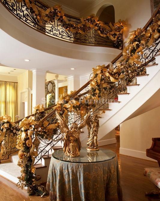 Декор Новогодней лестницы снежинками